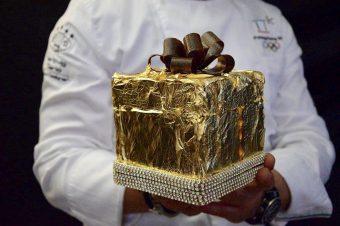 Panettone² con oro e cristalli: anche quest'anno il natale di dario hartvig è luxury