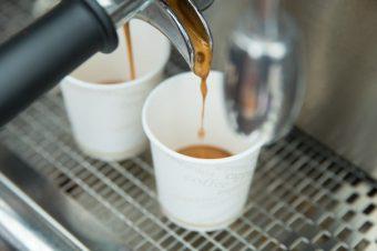 10 trucchi per riconoscere un buon caffè al bar