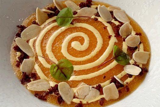 Zuppa di melone e prosciutto croccante: la ricetta di sadler per l'estate